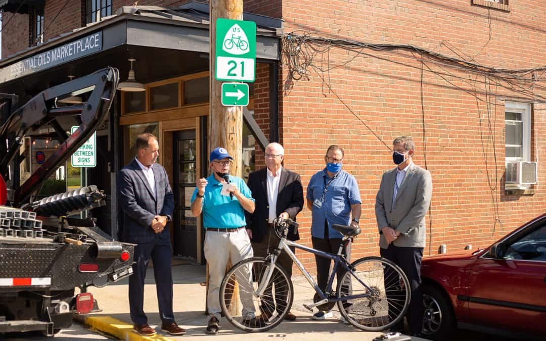 Bike Route 21 Signage Installed in Berea